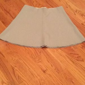 Loft Outlet Skirt NWT Size Medium